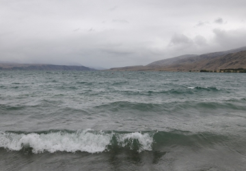 Waves on Lake Aviemore
